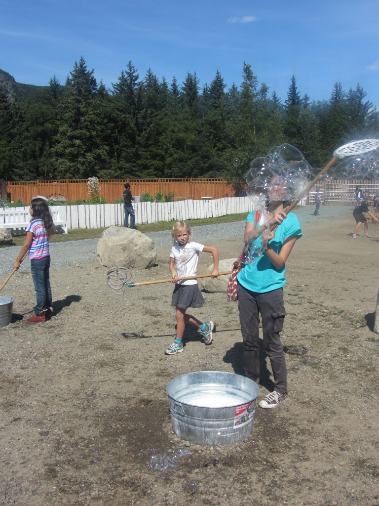 Having fun playing with the bubbles! (credit: Cris Zack)