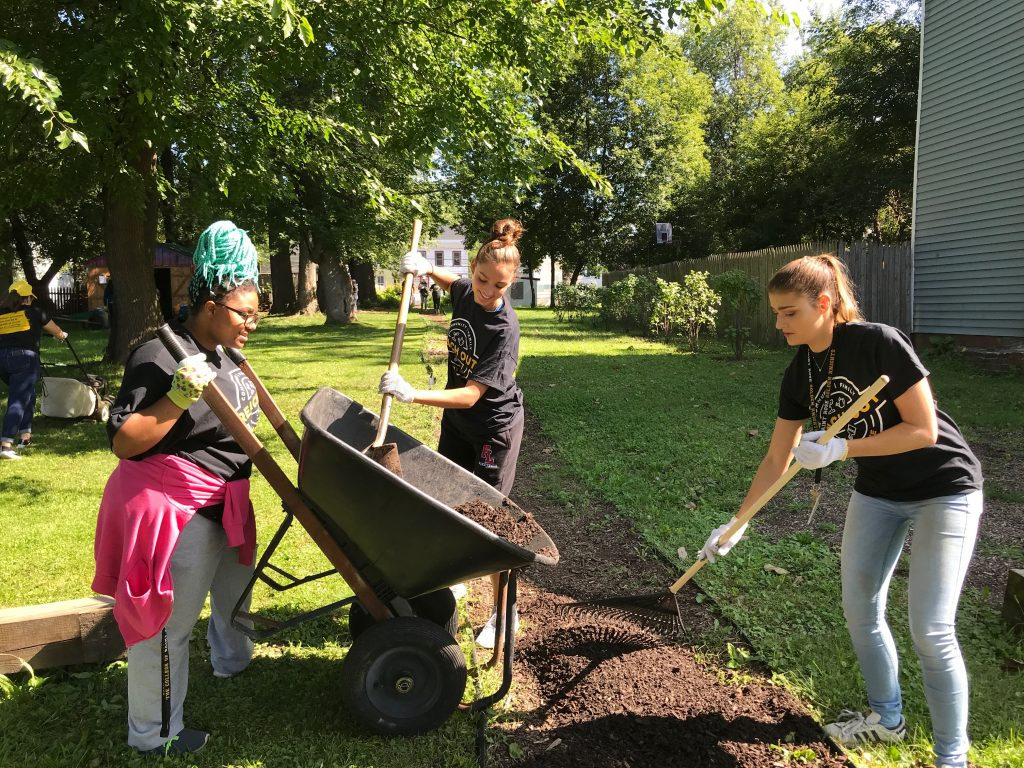 Students participating in the 2019 Reach Out Saint Rose day of service